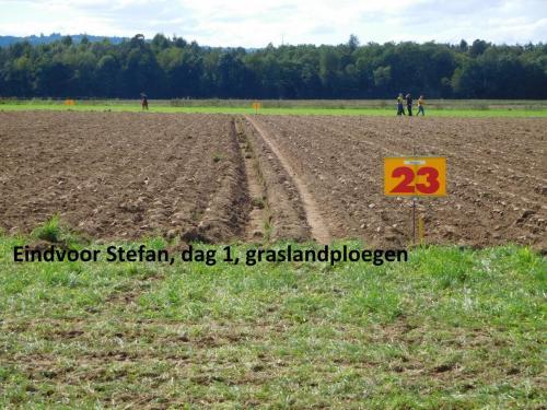 44-eindvoor-Stefan-dag1-graslandploegen