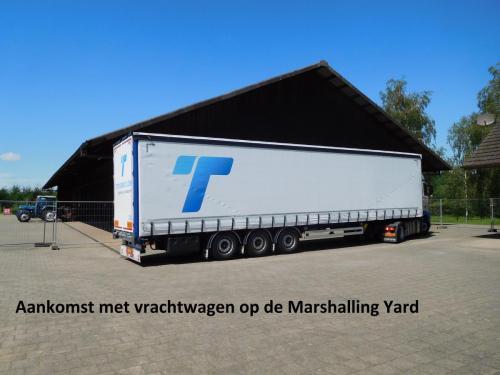 06 aankomst met vrachtwagen op de Marshalling Yard in Diessenhofen